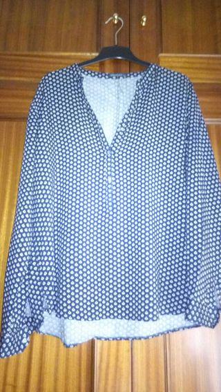 REBAJADA Camisa azul oscura con detalle talla 46