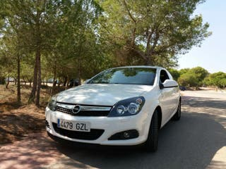 Opel Astra GTC 2010