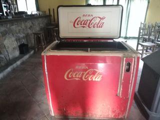 nevera antigua de coca cola funciona años 60