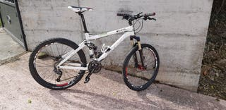 Btt MOUNTAIN BIKE