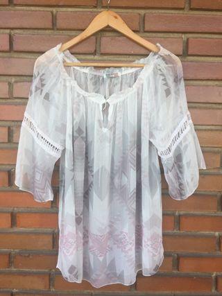 Blusa blanca estampada 44