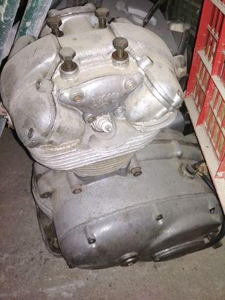 motor Ducati 125