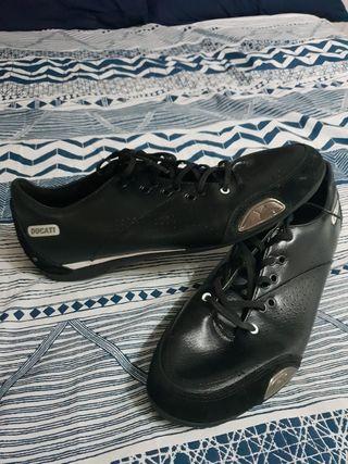 vendo zapatos zapatillas Ducati Puma talla 46