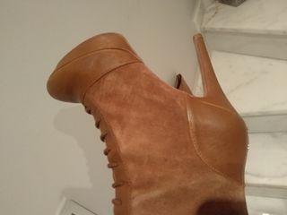 botas altas color marrón