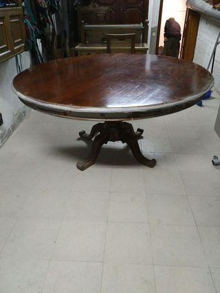 Mesa redonda grande de comedor