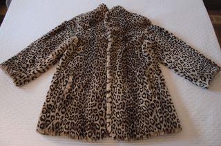 Abrigo estampado Leopardo Talla 40