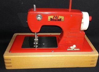 maquina de coser antigua.autentica,rejina Alemana