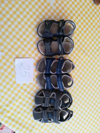 sandalias cada una 4€ las tres 10