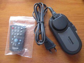 Accesorios de cámara Samsung: mando y cargador