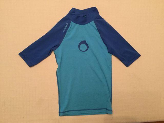 b5fc045b5 Camiseta niño niña térmica agua decathlon 6 anos. de segunda mano ...