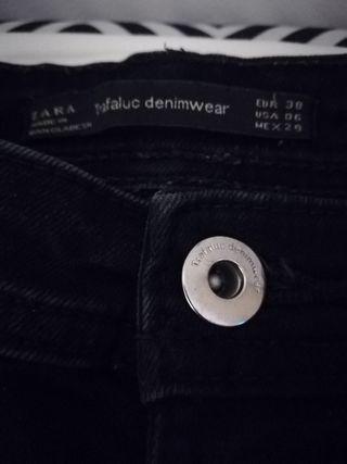 Pantalones tiro alto Zara de segunda mano por 5 € en Moncada