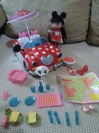 Coche Minnie Mouse.