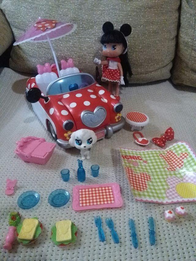 Coche Minnie Mouse.