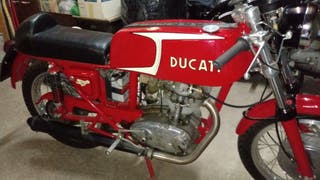 Ducati 24 Hores 250 clàssica.