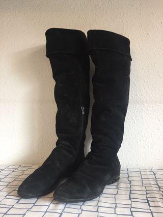 Botas Caña alta planas negras número 37