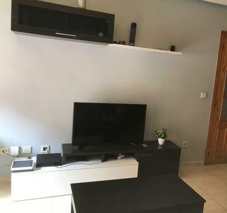 mueble de salon con mesa de centro