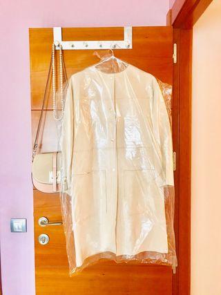 Abrigo de piel NUEVO. Zara Suit Collection.