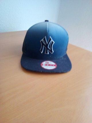 Gorra Yankees.