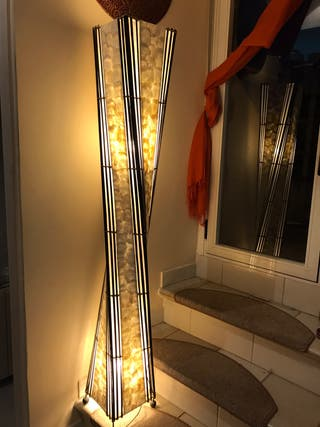 Lámpara de bambú y nácar