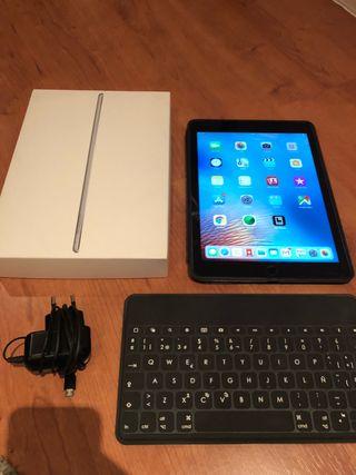 iPad Air 2 128GB Wi-Fi + teclado Logitech + funda