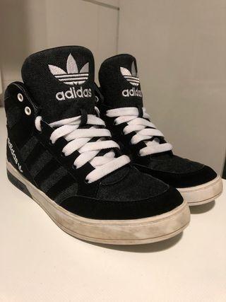 Zapatillas Adidas talla 40 de segunda mano por 30 € en