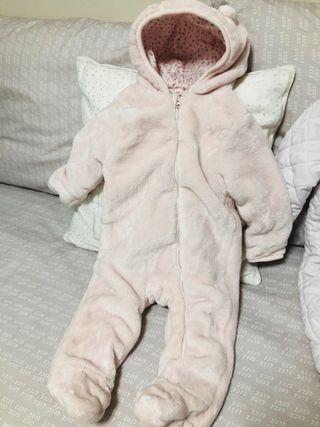 Buzo bebe niña de segunda mano en Valencia en WALLAPOP aea9ea98d92