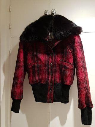 abrigo de lujo nuevo GF FERRE talla Xs