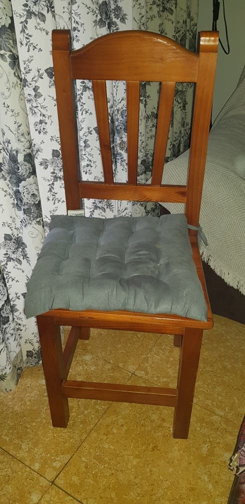 Dos sillas de madera para comedor . de segunda mano por 20 € en ...
