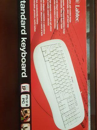 teclado nuevo a estrenar labtec ps2