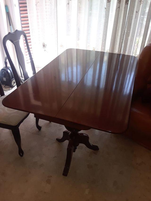Mesa extensible para comedor con 2 mesitas de segunda mano por 150 ...