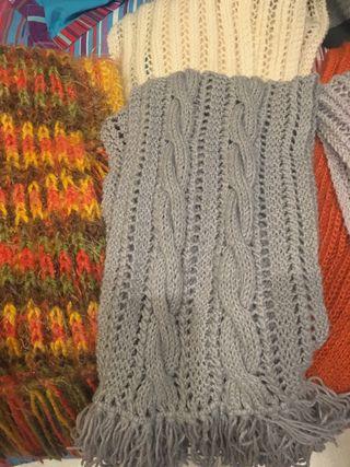 Lote 5 bufandas hechas a mano