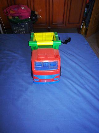 camión de juguete grande