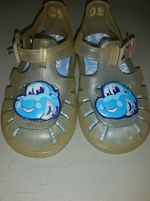 19d6cc968e9 Cangrejeras zapatos de agua bebé numero 20 de segunda mano por 2 ...
