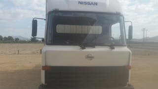 Nissan l 35.80 2000