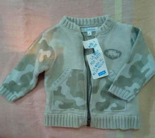 chaqueta de niño nueva 6 meses