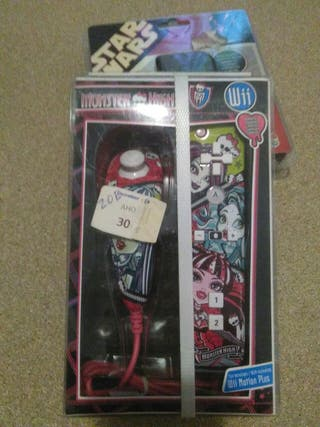 Mando Wii Monster High sin desprecintar.