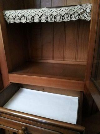 Mueble r stico vitrinas madera madrid de segunda mano por 240 en madrid en wallapop - Muebles rusticos madrid ...