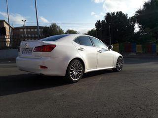 Lexus IS 220 F SPORT con pack multimedia