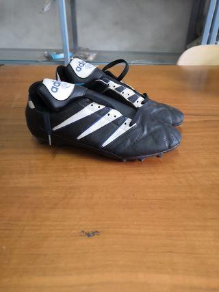 botas fútbol Adidas talla 42