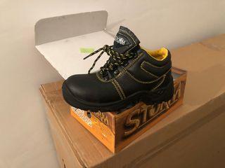 Zapatos de seguridad de segunda mano en Torrejón de Ardoz en WALLAPOP c8a471be63f8