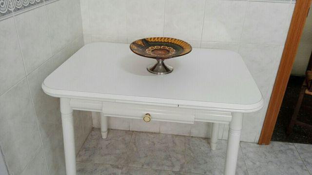 Mesa cocina blanca de segunda mano por 35 € en Valencia en WALLAPOP
