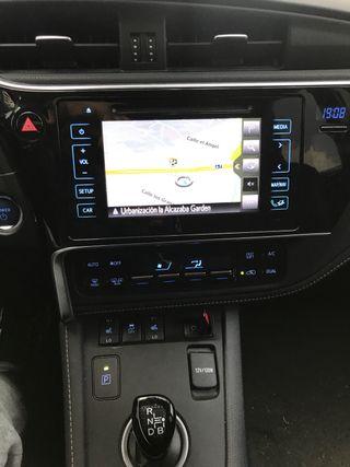 Toyota Auris 02-07-2015