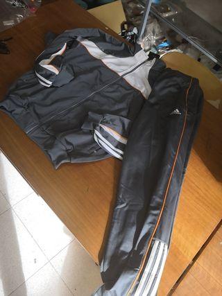 chándal Adidas talla L pantalón talla M