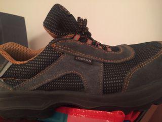 Zapatos de trabajo / seguridad sin uso 45