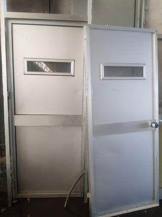 Puertas de aluminio de segunda mano en wallapop for Puertas de paso segunda mano