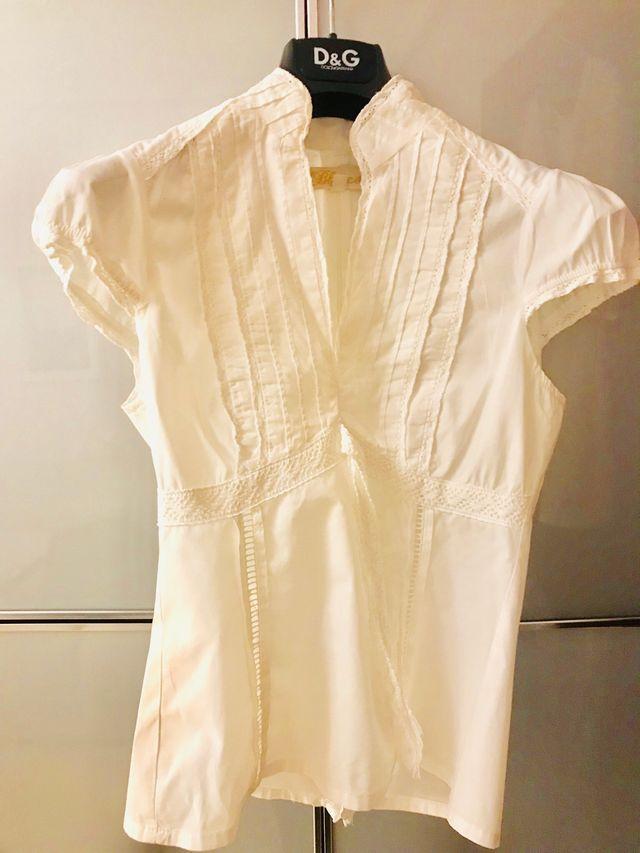 Top/Blusa blanca bordada. BLANCO (PVO 45 €).