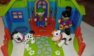 Casita muñecas Tolo, con 4 muñecos