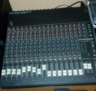 Mesa de.sonido Makie CR 1604