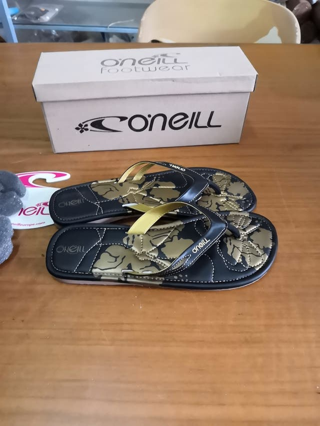 chanclas O'Neill talla 39