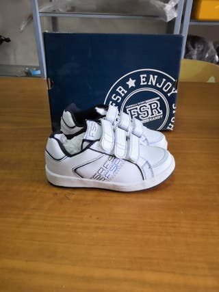 zapatillas blancas FSR talla 28